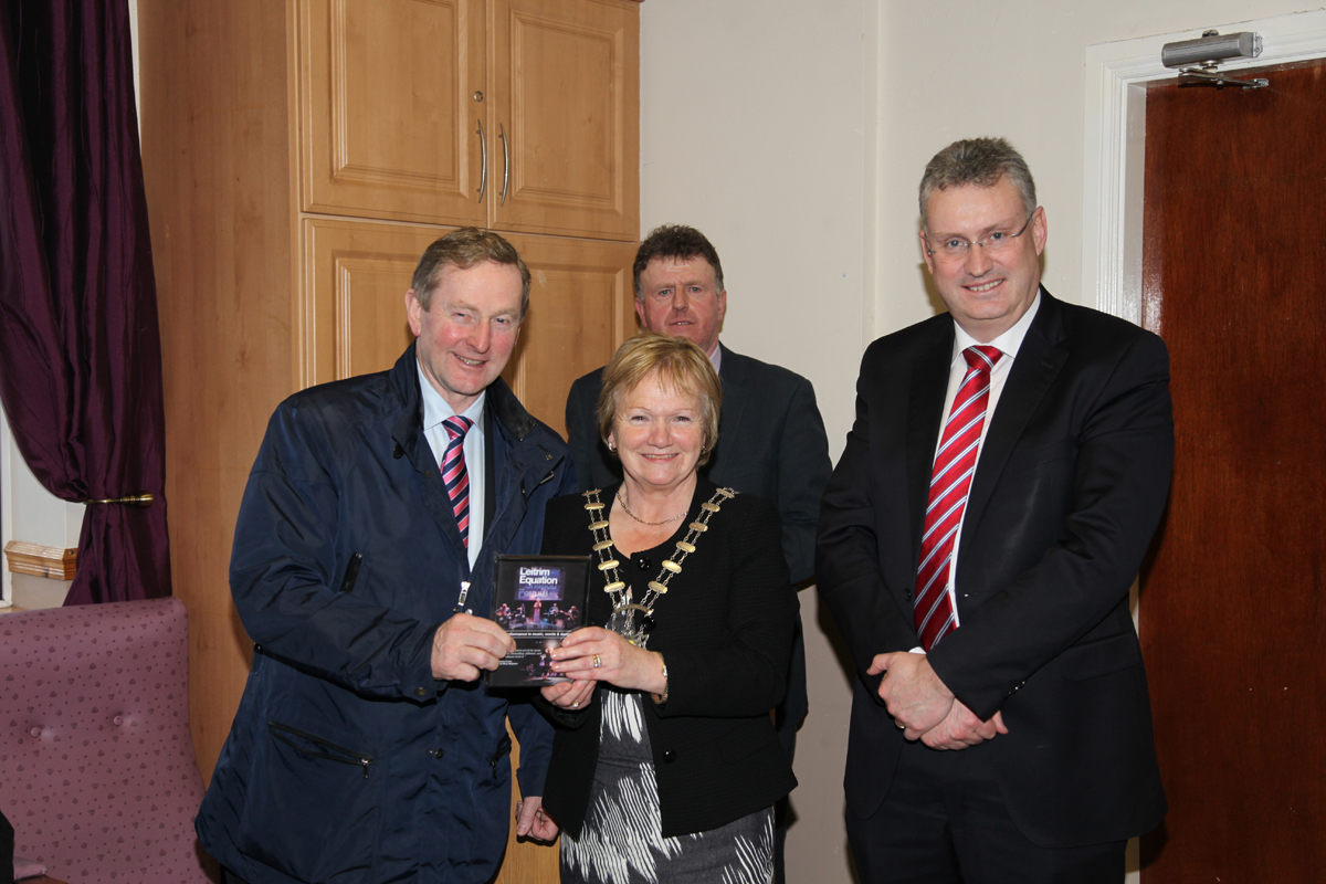 IMG_7108An Taoiseach Enda Kenny, Cathaoirleach of Leitrim Co Council Cllr Mary Bohan, CEO of Leitrim Co Council Frank Curran and Cllr Sean McDermott in background